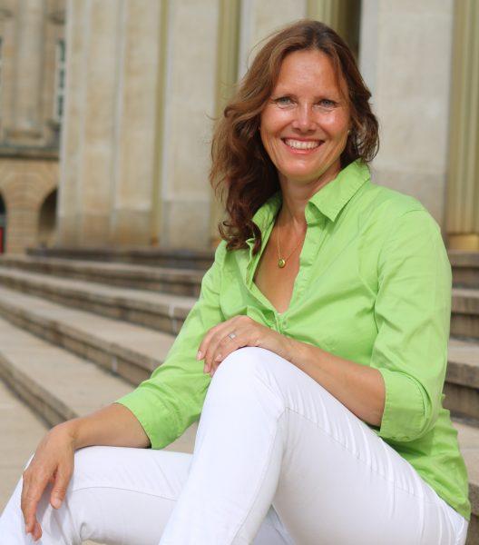 Aufnahme von Angelika Böhme, Coach in Leipzig. Vor Oper Leipzig.