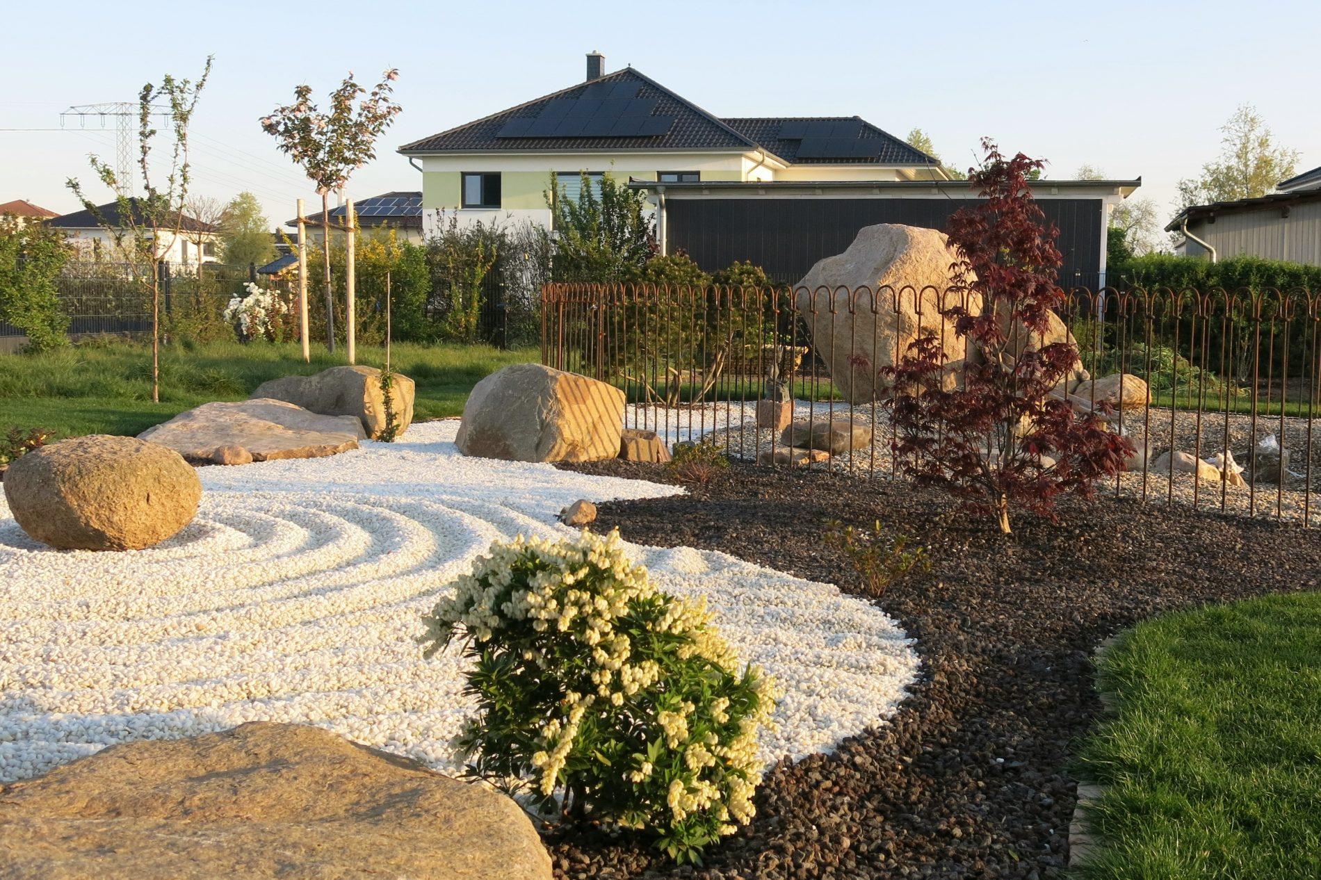 Blick in unseren japanischen Garten vom Wohn- und Geschäftshaus Human Unfoldment
